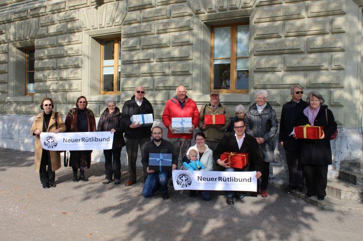 Petition Kreuz bleibt eingereicht
